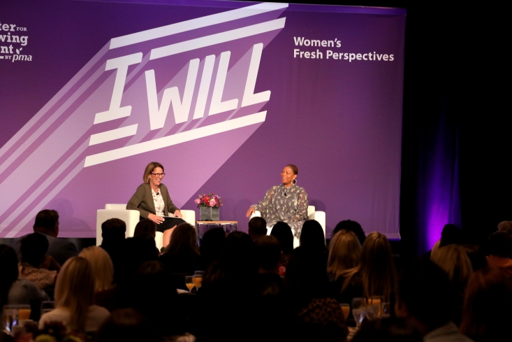 CAC Vice President Marketing Jan DeLyser moderating the discussion with Queen Latifah at the Women's Fresh Perspectives breakfast