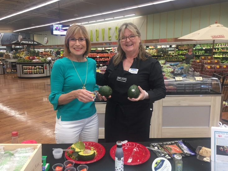 The Commission's Retail Marketing Director Connie Stukenberg joined Albertsons' Wellness Services Coordinator Elaine Magee, MPH, RD at a Newport Coast California avocado demo.